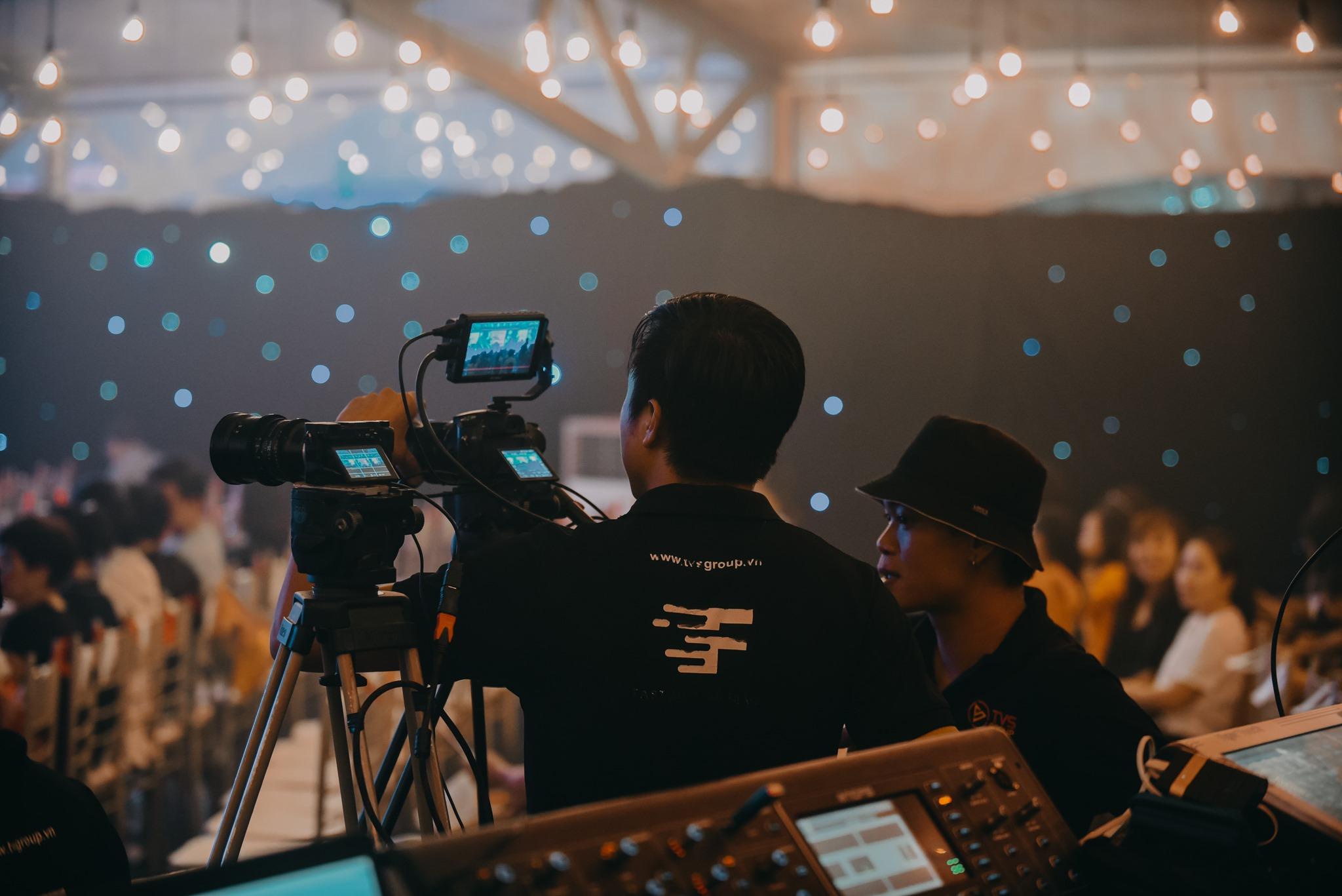 fastmotion dịch vụ livestream talk show nha trang